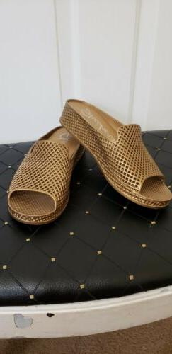 SKECHERS GOLD MESH SANDALS WEDGES SIZE 9 Worn Once