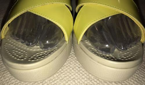 Crocs Womens Leigh Ankle Yellow Size 8. NEW