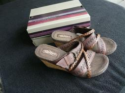 Skechers Sandals for Women****Size 7M***Color Chocolate****B