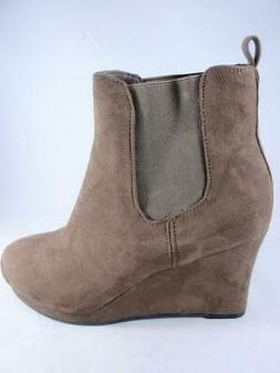 Dolcetta Tracy Women's Wedge Booties Olive Green Pull On Dre